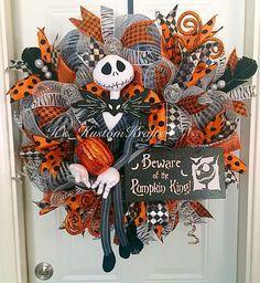 Jackskellingtonwreath,nightmarebeforechristmaswreath,jackskellington,bewareofthepumpkinking,halloweenwreath,halloweendecor