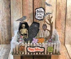 @blankpagemuse posted to Instagram: Happy Halloween! Love this outstanding centerpiece created on Bella Crafts Facebook Live! Click the Smart Bio for the link. #blankpagemuse #halloween #rubberstamps Happy Halloween, Halloween Party, Chalk Pencil, Small Pumpkins, Blank Page, Shaker Cards, Scary Movies, Crafty Projects, Some Fun