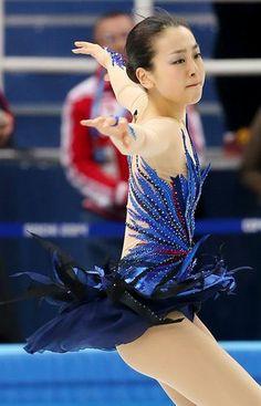 【フィギュアスケート】女子フリーで躍動感あふれる演技を見せる浅田真央=ロシア・ソチのアイスベルク・パレスで2014年2月20日、貝塚太一撮影