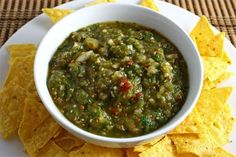 Salsa is a staple at Dreams Resorts Spas. If you're planning a Mexican feast at home in the near future, you'll want to ensure you know how to make one of the most delicious salsas–salsa verde–for your guests. We guarantee they'll love it! Roasted Salsa Verde Recipe, Roasted Tomatillo, Salsa Recipe, Chips Recipe, True Lime, Chile, Detox, Great Recipes, Favorite Recipes