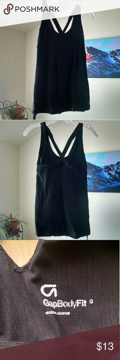 Gap Body Black Yoga Tank Top S Black Cris cross back tank top with adjustable cinch hemline. Flattering pleated front. In very gently used condition. GAP Tops Tank Tops