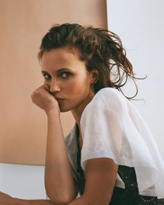 Your source for everything dedicated to the beautiful and talented French model and actress Marine Vacth. You can find here the latest news, edits or interviews of the Jeune et Jolie star. Chanel Beauty, Chanel Makeup, Morning Photography, Girl Photography, Les Beiges Chanel, Sophie Thomas, Morning Girl, French Models, French Beauty