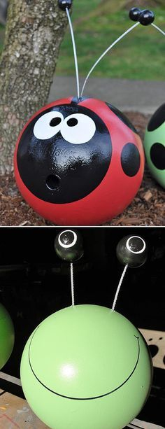 DIY Garden Trinkets • A round-up full of great ideas and tutorials! Including, from 'recycled smiles', these fantastic bowling ball 'bugs'!