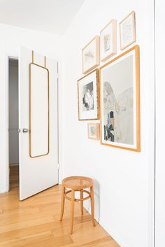 House Tour: Mel's New Place Makes Us Want to Declutter Immediately – Emily Henderson - Herzlich willkommen Minimal Bedroom, Minimal Home, Minimal Living, Home Interior, Interior Styling, Interior Design, Guest Bedroom Decor, Bedroom Art, White Bedroom