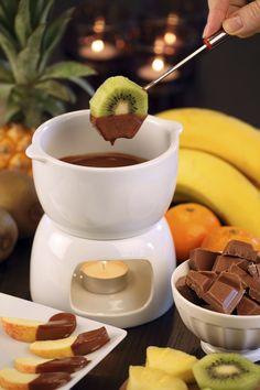 fondue au chocolat recette de fondue au chocolat. Black Bedroom Furniture Sets. Home Design Ideas