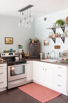 Decor tips for small kitchens | Thank you @Refinery29 I will need this!