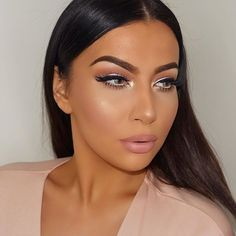 Face:  @maybelline Fit me foundation '220' & age rewind concealer 'light'  @lauramercier translucent powder  @thebalm_cosmetics 'Bahama mama' bronzer  @makeupgeekcosmetics blushes 'Bliss' & 'Secret admirer'  @thebalmeu 'Mary-Lou Manizer' illuminator  Eyes:  @morphebrushes eyeshadows(Caffe Macchiato, Spice and Nuts for you)  @opvlashes eyeshadow palette( peachy-shimmery color)  @maccosmetics Vanilla pigment  @sigmabeauty gel liner 'Wicke