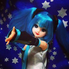 やっぱり可動ボディは楽しいなぁ(?′???) #Girlish #Culture #japan #dollphotography #doll #instadoll  #dolly #リカちゃん #licca #takara #liccachan #licca_chan #liccadoll #人形 #azone #Pureneemo #Flection #miku #mikudoll #hatsunemiku #初音ミク