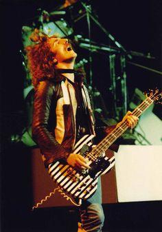 Geezer Butler Rock And Roll Bands, Rock N Roll, Musica Black, Ozzy Osbourne Black Sabbath, Geezer Butler, Heavy Metal Rock, My Buddy, Foo Fighters, Jimi Hendrix