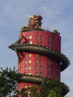 Dragon Temple in Bangkok Thailand. It is the famous temple in the Bangkok. Unusual Buildings, Interesting Buildings, Amazing Buildings, Amazing Houses, New Architecture, Beautiful Architecture, Laos, Brunei, Temples