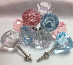 New glass door knobs crafts ideas drawer pulls ideas Knobs And Knockers, Knobs And Handles, Knobs And Pulls, Door Pulls, Door Handles, Glass Drawer Pulls, Glass Door Knobs, Drawer Knobs, Door Knobs Crafts