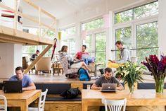 Bisnis start-up sangat terbantu dengan adanya Coworking Space. Ruang kerja yang nyaman, unik dan fleksible dan juga dengan biaya sewa yang fleksible.  #coworkingspace #officespace #ruangkantor