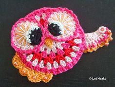Crochet owl coaster.   Inspiration and pattern: Vendula Maderska #crochet   #haken