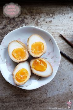 To all my beloved BNF fans who requested for Shoyu Tamago recipe, this for you. This well-loved hard-boiled egg with a molten, custard yolk is a must-have topping for us whenever we have ramen. I actually prefer a more custard-y yolk rather than the molten type that flows out when you cut into them...