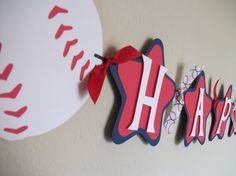 Love this banner idea. Might have to dust off the Cricut! Cricut Banner, Diy Banner, Banner Backdrop, Baseball Theme Birthday, Boy Birthday, Baseball Party, Bunting Design, Baseball Banner, Happy Birthday Banners