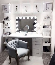 diy makeup vanity decor ideas and how a makeup vanity completes a room – RoomDecor 2020 Bedroom Desk, Room Ideas Bedroom, Bedroom Storage, Master Bedroom, Diy Bedroom, Storage Mirror, Design Bedroom, Bedroom Brown, Bedroom Small