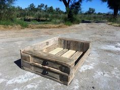 Pallet dog house diy idea.,.