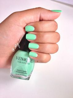 Nails for the week. Venique nail lacquer in Lights of Paris. Beauty Tutorials, Beauty Hacks, Spirit Finger, Stylish Nails, Cute Nails, Nail Ideas, Fingers, Lifestyle Blog, Latest Trends