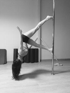 Pole Dance Moves, Dance Poses, Pole Dancing, Pole Tricks, Ballet Skirt, Fashion, Moda, Tutu, Fashion Styles