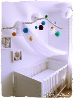 Babyzimmer deko diy  Familienbett | Wäsche, Monat und Plaetzchen