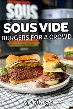 Sous Vide Recipes For A Crowd - see classic sous vide party dishes for an event like sous vide burgers.  | sipbitego.com #sipbitego #sousvide #sousvideparty #dinnerparty #bbqparty #sousvidecooking #sousvidesteak #sousvideburgers #bbq #cookout #dinner #appetizers| sipbitego.com #sipbitego #sousvide #sousvideparty #dinnerparty #bbqparty #sousvidecooking #sousvidesteak #sousvideburgers #bbq #cookout #dinner #appetizers Sous Vide Fried Chicken, Fried Chicken And Waffles, Burger Seasoning, Burger Meat, Beef Burgers, Sous Vide Hamburger, Cookbook Recipes, Beef Recipes, Sous Vide Burgers