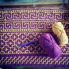 Crochet Afghans, Crochet Blanket Border, Tapestry Crochet Patterns, Tunisian Crochet, Mosaic Patterns, Crochet Crafts, Crochet Yarn, Crochet Hooks, Crochet Projects