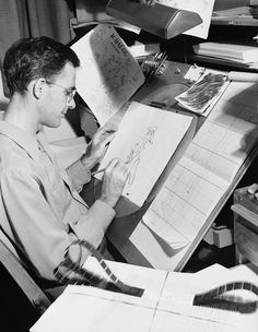 Frank Thomas working on an Ichabod sketch for The Legend of Sleepy Hollow short. Old Disney, Vintage Disney, Disney Love, Disney Magic, Disney Animated Films, Animated Icons, Animation Reference, Animation Film, Walt Disney Animation