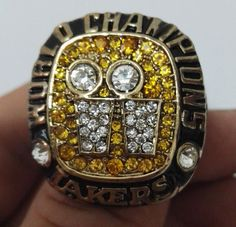 1198455d5c8 Los Angeles Lakers 2001 Championship Ring