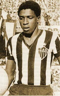 Paulo Isidoro.