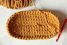 Háčkovaná taška / košík | Návody | Pletení a háčkování | Užitečné odkazy, tipy a triky | Polymerová hmota, scrapbooking, kurzy fimo, eshop – Nemravka Knitted Hats, Crochet Hats, Knitting, Bags, Knitting Hats, Handbags, Tricot, Breien, Stricken