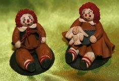 Darling Artist signed sitting Raggedy Ann and Andy Dolls 1989 ~Clay Material