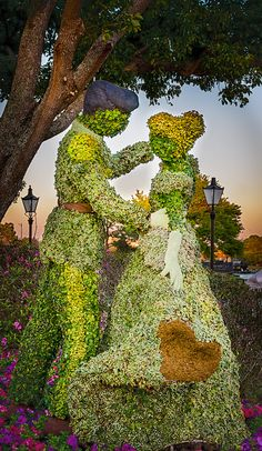 Epcot -- Cinderella and Prince Charming in topiary