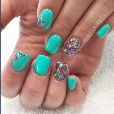 "134 Likes, 2 Comments - Liz Henson (@nails.byliz) on Instagram: ""Party glitter . . . . #nails #acrylicnails #nailstagram #nailart #glitter #glitternails #summer…"""