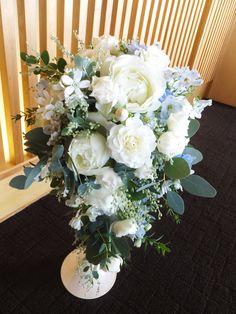 #novarese#vressetrose#wedding #white #round #bouquet #clutchbouquet #natural#flower #bridal #ノバレーゼ#ブレスエットロゼ#ウエディング# ホワイト#グリーン#シンプル #クラッチ# ブーケ# ナチュラル#小花#バラ#ナチュラル#ブライダル#結婚式#バラ#ユーカリ#キャスケードブーケ