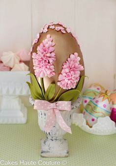 Chocolate Easter egg decorated with sugar hyacinths. Fancy Cakes, Cute Cakes, Beautiful Cakes, Amazing Cakes, Paletas Chocolate, Easter Egg Cake, Easter Chocolate, Easter Celebration, Fun Cupcakes