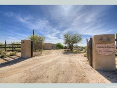 Beautiful horse property for sale in North Scottsdale. Main house and large guest house, barn, and so much more.