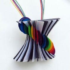 PAPER PENDANT 102 Paper Jewelry, Fabric Jewelry, Jewelry Art, Fabric Paper, Paper Art, Paper Crafts, Painted Paper, Alternative, Pendants