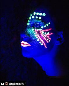 Neón Makeup Trabajo de nuestra alumna @ainoamoreno en #EscuelaCES