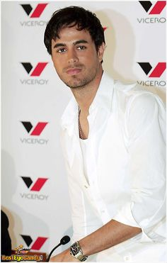 Enrique Iglesias, Hot Country Men, Old Faces, Designer Party Wear Dresses, Latin Music, New Face, Hollywood Glamour, Beautiful Babies, My Hero