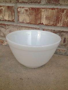 PYREX Opal Unmarked  401  Nesting Mixing Bowl  by RetroRetake