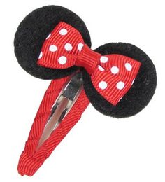 Hair Accessories Easy Mickey Mouse Hair Bow Clip Disney Mickey Mouse Hair Bow Clip Tutorial Going to Disney World next week! Hair Ribbons, Diy Hair Bows, Diy Bow, Bow Hair Clips, Ribbon Bows, Bow Clip, Ribbon Hair, Disney Diy, Disney Bows