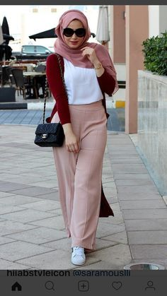 How to associate the color of clothes to be stylish? - SoSab - Modest Fashion - 6 techniques to know absolutely to harmonize colors! Modern Hijab Fashion, Muslim Fashion, Modest Fashion, Casual Hijab Outfit, Hijab Chic, Mode Outfits, Fashion Outfits, Emo Fashion, Street Fashion