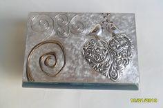 cofre album en repujado de aluminio para 12 fotos liliana