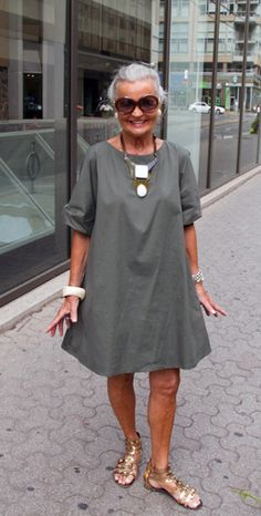 This is how to look great at any age...great tunic/dress! - Street Style.