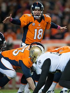 #Broncos' Peyton Manning threw two second-half touchdowns in Denver's 34-14 win over New Orleans after getting hurt just before halftime.