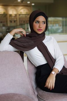 Muslim Fashion 635992778610032547 - Premium Chiffon – Chocolate Source by Hijabi Girl, Girl Hijab, Hijab Outfit, Street Hijab Fashion, Muslim Fashion, Modern Hijab Fashion, Fashion Outfits, Mode Niqab, Mode Turban