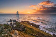 Startpoint Lighthouse by axle88