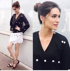 Latest photos of Kriti Sanon Bollywood Dress, Bollywood Stars, Bollywood Fashion, Indian Celebrities, Beautiful Celebrities, Beautiful Actresses, Bollywood Celebrities, Ideas For Instagram Photos, Bollywood Actress Hot Photos