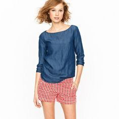 """J.Crew Apple Shorts Adorable Apple print shorts in new condition! Size 00. Waist 28"""", inseam 3"""". J. Crew Shorts"""
