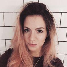 Gemma got her hair done! She went darker with her roots 😍 One Direction Updates, Gemma Styles, Harry Styles, Style Me, Cool Style, My Roots, Edward Styles, Tumblr Girls, Powerful Women
